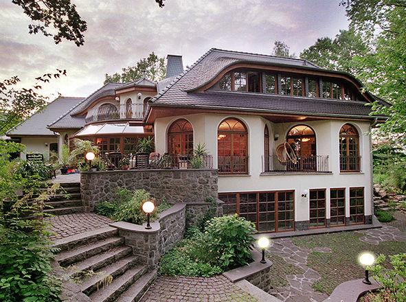 Haus landhausstil fertighaus  TRAUMHAEUSER: Landhaus-Villen / Landhaus-Villa mit ...