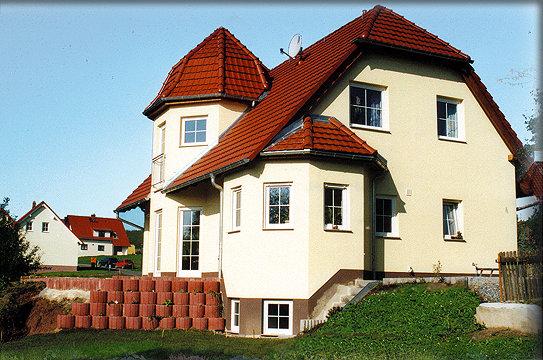 Massivhaus o fertighaus preiswert bauen for Einfamilienhaus berlin